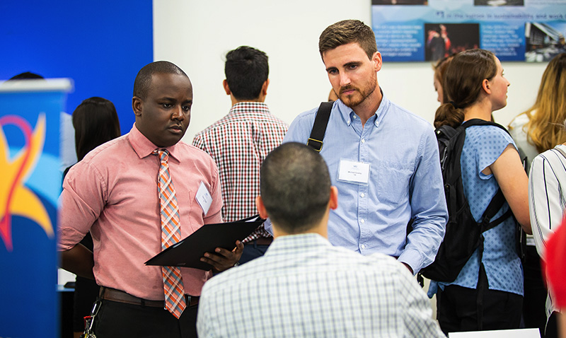 http://publichealth.uci.edu/ph/docs/alumni/2019CareerDay__0003_Career_Day_Expo_-_Students_meeting_with_Public_Health_organizations_5.jpg