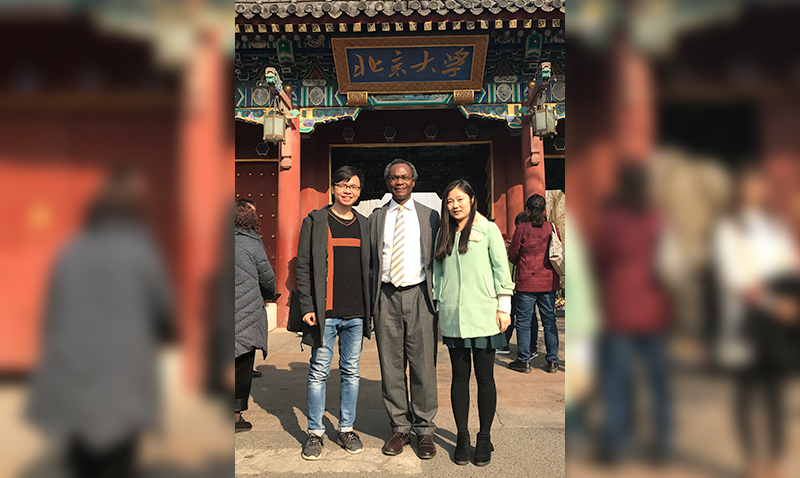 Dele Ogunseitan at Peking University with Graduate Students of the College of Environmental Science and Engineering