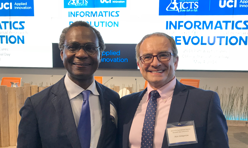 Dele Ogunseitan, Director of Workforce Development for the Institute for Clinical and Translational Science Congratulates Dr. Alan Widgerow, Winner of the 2018 Mentor Award