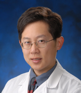 Dr. Wayne Chang, receives Award for Service in Medical Education from the UCI Office of Graduate Medical Education